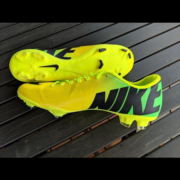 on sale a0157 26d49 Nike Mercurial Soccer Cleats. M 5aeceacd72ea889753464407